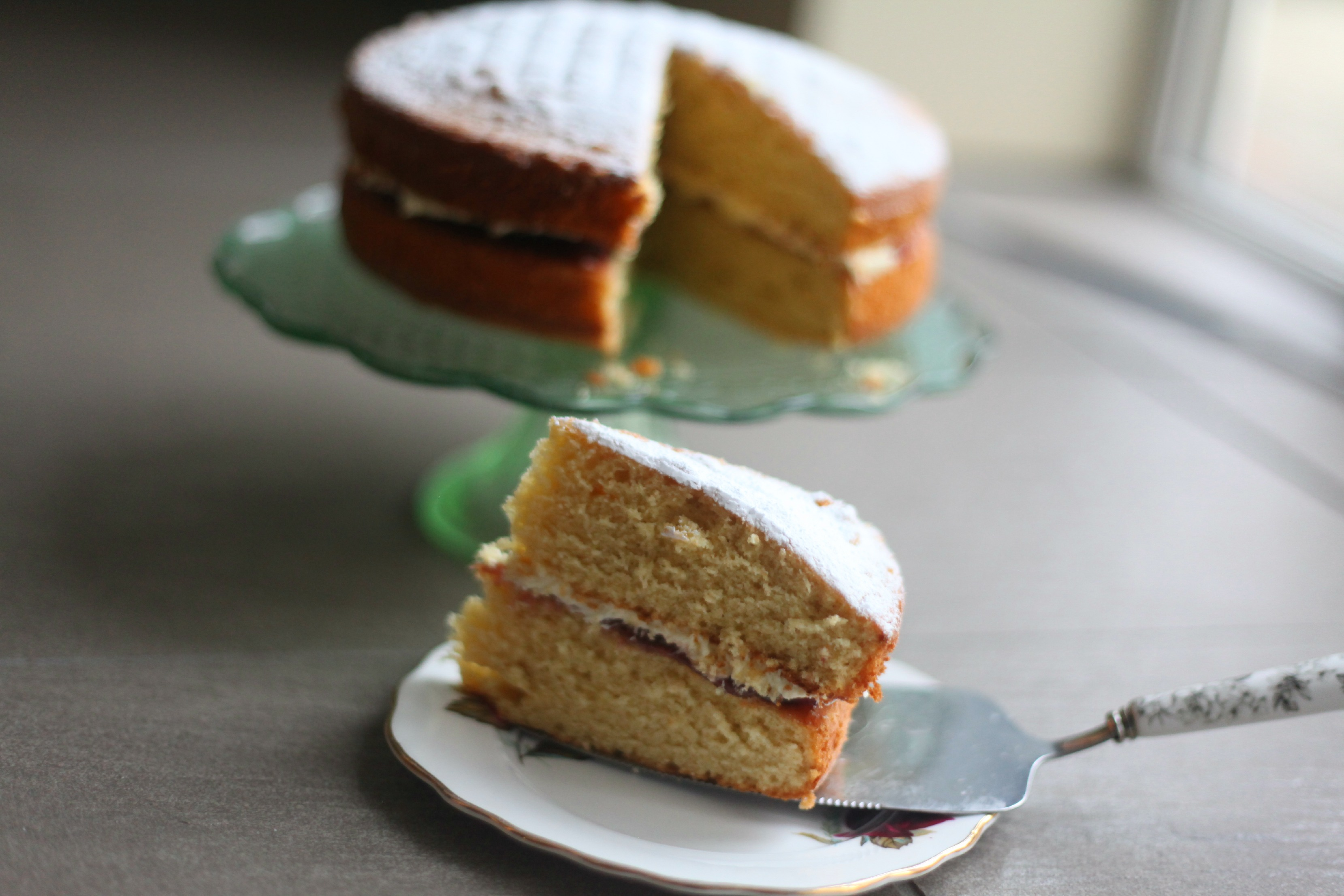 Ginger Cake with a Rhubarb & Custard Jam Filling | Mummy Mishaps